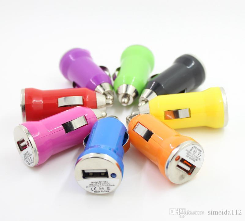 Yüksek kaliteli Renkli Bullet Mini USB Araç Şarj Evrensel Adaptörü iphone 5 6 6 S artı S5 S6 ücretsiz kargo