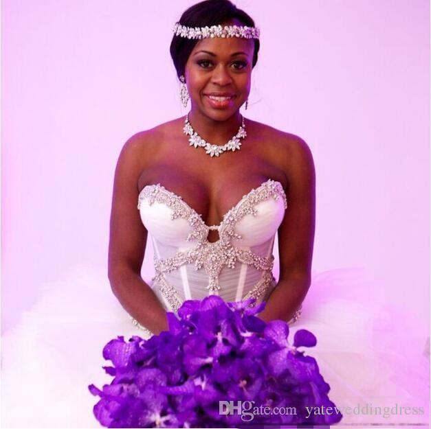 Белые бальные платья Свадебные платья Милая с аппликацией Свадебные платья Назад Многоуровневая складка на молнии Свадебные платья на заказ до пола