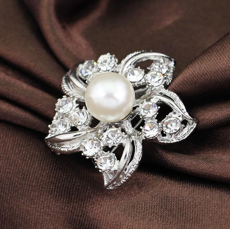 Silver Tone Big Pearl Flower Brooch Clear Rhinestone Crystal Flower Bridal Jewelry Small Brooches Pins Prom Party Gift Wedding Cosrage