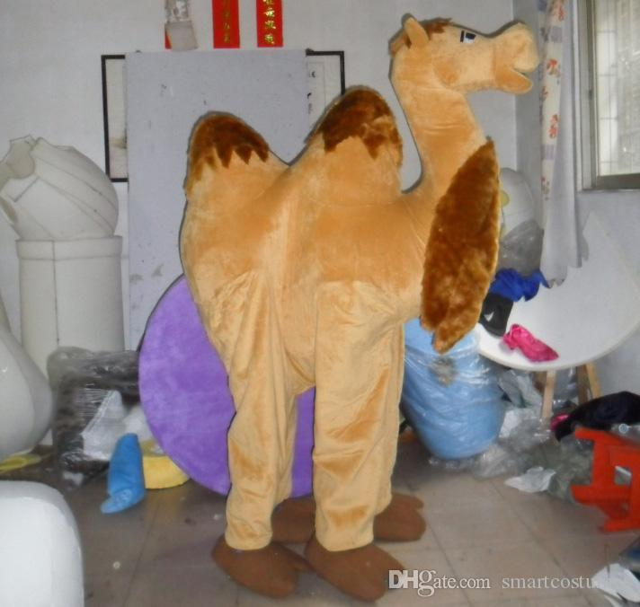 Compre Sm0516 100% Fotos Reales De Disfraz De Camello Mascota Para Adultos  2 Personas Usan Disfraz De Camello Mascota A  334.02 Del Smartcostumes  1318f06df4c