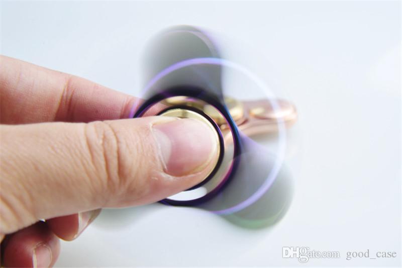 Gökkuşağı Renkleri Fidget El Parmak Spinner Alüminyum Renkli EDC bakır alaşım Tri Spinners Oyuncaklar El Spinner Fidget Dekompresyon Oyuncak en iyi