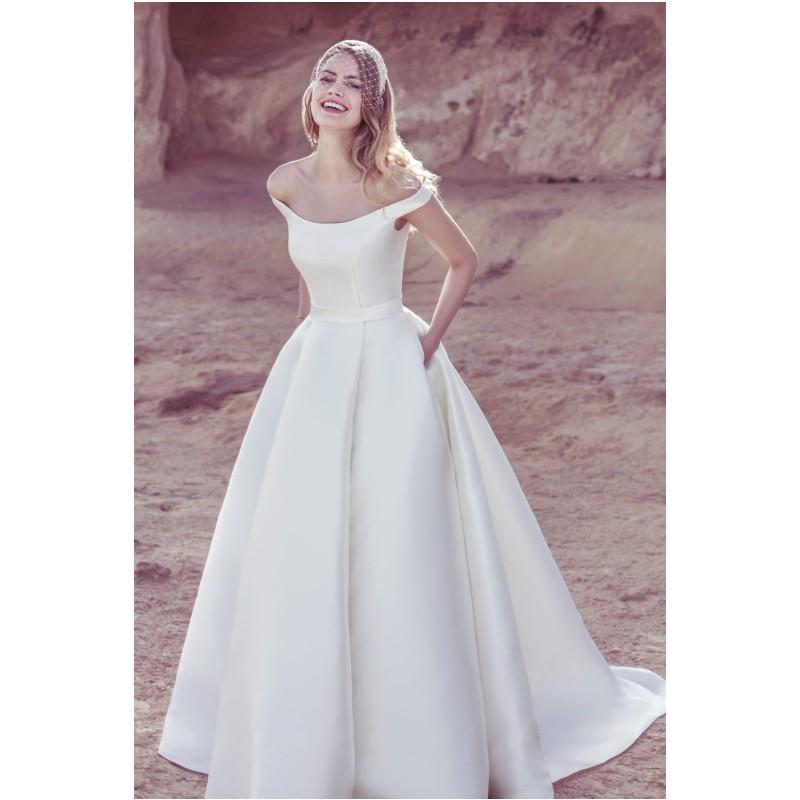 2017 Popular Simple Charming A Line Off Shoulder Wedding