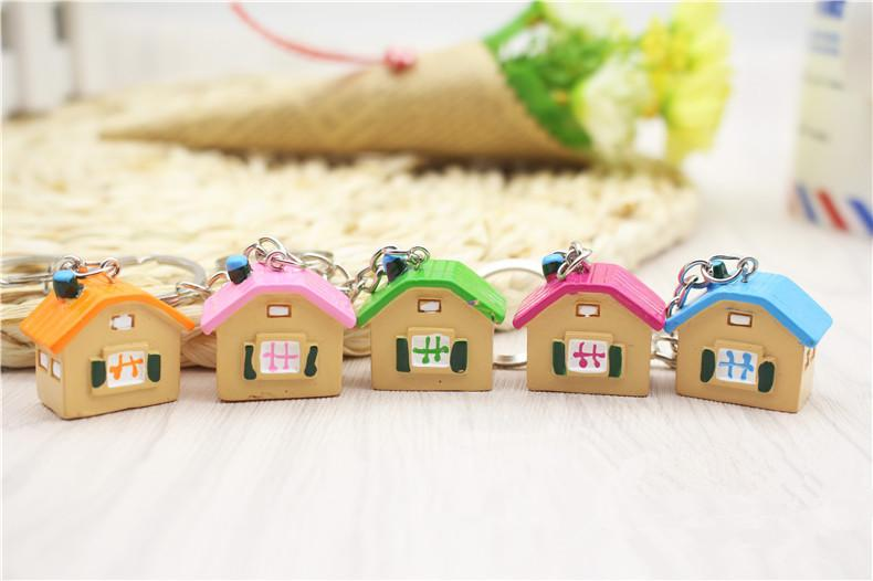 Five Colors 2.7*2.5 cm Cute Mini House Keychain Cheap Bag Pendant Key Ring Cartoon for Friends Gift a