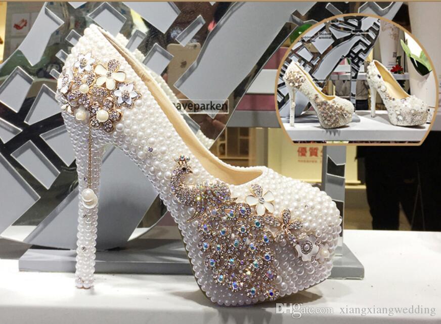 Bombas nupciales calientes Zapatos de boda Elegent Bling Pearl Plataforma Tacones Sparkle Crystal Heels Party Club Accesorios Vestidos de dama de honor