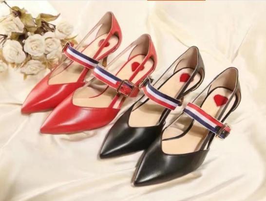 Alta calidad ~ u732 40 es correa de cuero genuino tacones altos sandalias de lujo sexy negro rojo