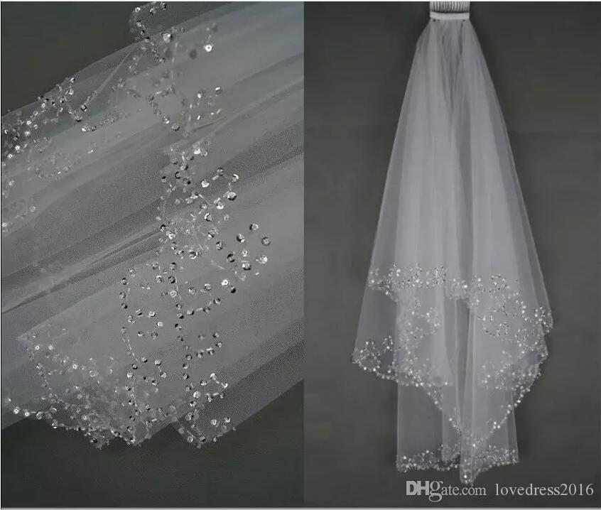 Sıcak Satış Beyaz / Fildişi Düğün Gelin Peçe Iki Katmanlı El Yapımı Sequins Ile Boncuklu Kenar Gelin Aksesuarları Saç Peçe Tarak