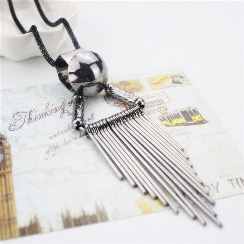 Femmes Collier Long Punk Alliage Noir Gland Déclaration Colliers Designer Collier Pour La Partie Collier Bijoux Cadeau