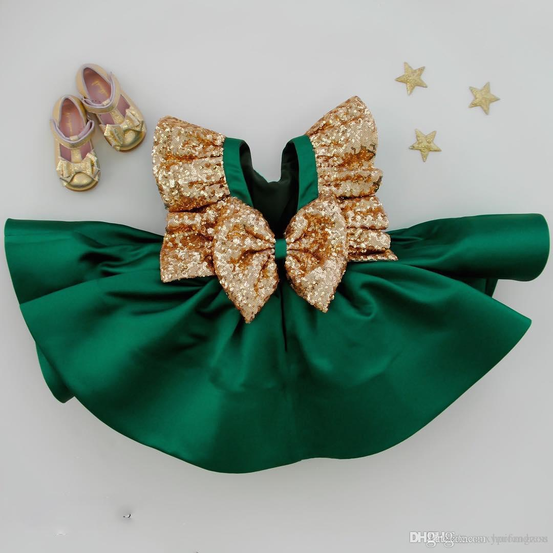 Dark Green Flower Girls Dresses With Bow Knot Sequins Backless Satin Girls Pageant Gowns Knee Length Sleeveless First Communion Wear