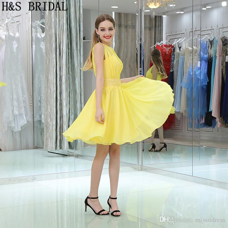 Kısa Şifon Mezuniyet Elbiseleri Boncuk Sarı Şeffaf Boyun Kokteyl Elbise Büyüleyici Kızlar Ucuz Parti Abiye B012