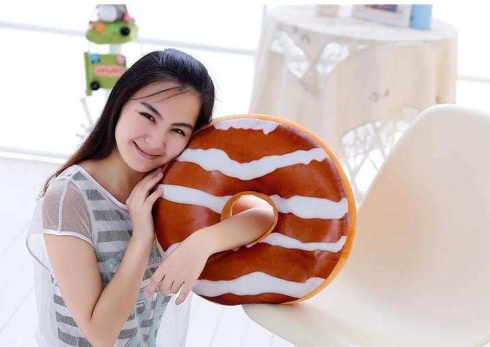 XMAS gift Christmas Gift doughnut Hamburger Cushion Emoji pillows lovely Cute plush toys doughnut Cushion for girl
