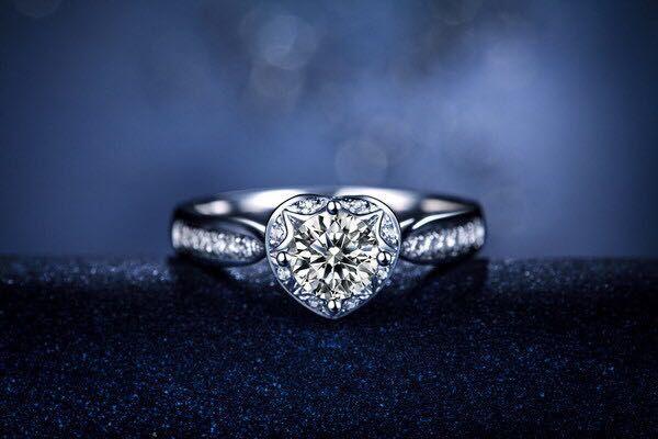 우수한 품질 1CT의 합성 다이아몬드 반지 정품 고체 스털링 실버 반지 화이트 골드 커버 마지막 영원히