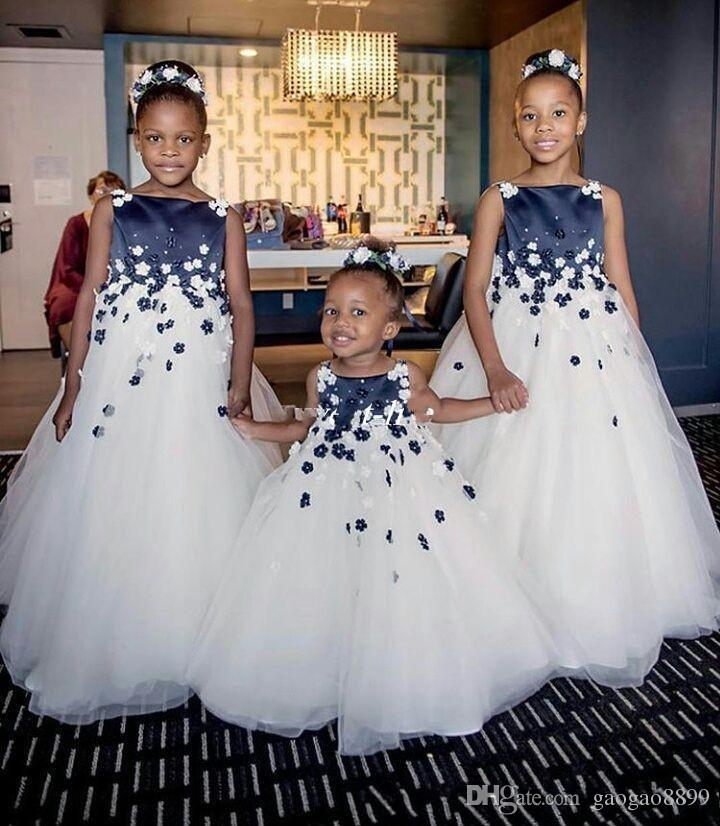 Cute Flower Girl Dresses Navy Blue and White Top with 3D Flowers Beads Ball Gown Bateau 2019 Cheap Baby First Communion Dresses