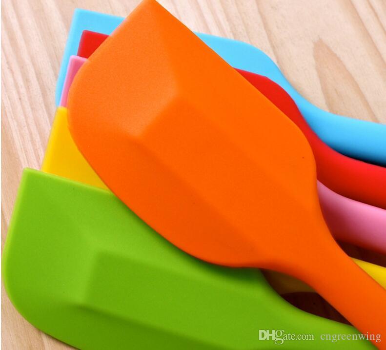 Coloré intégré haute résistance à la température silicone Spatule Cuisson Grattoir En Caoutchouc Pour Snowflake Cake Outils Cuisine Outil