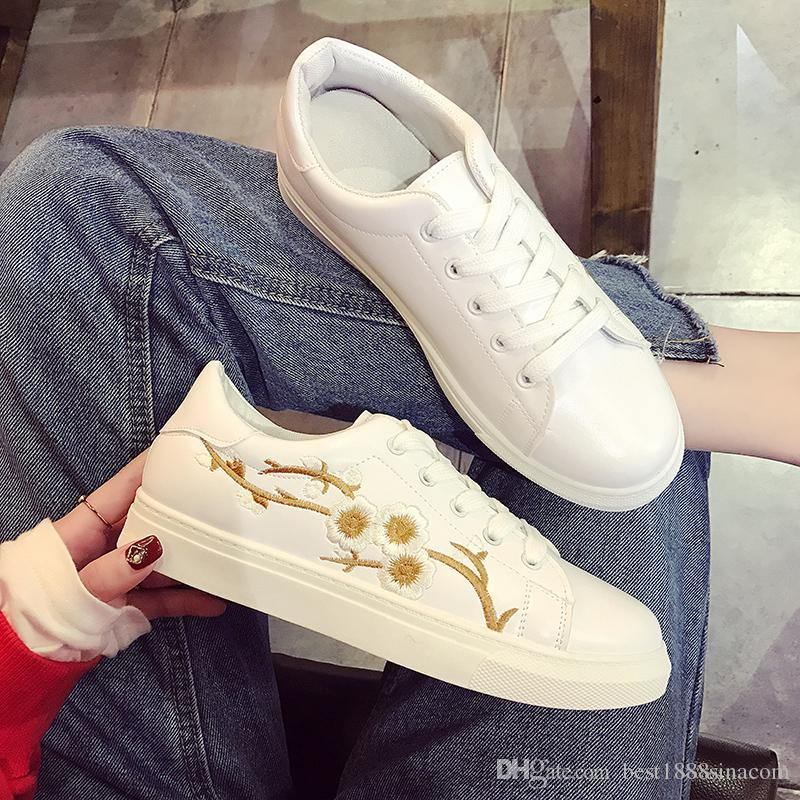 Joker hand embroidered white shoe female 2017 new sneakers with flowers in spring fashion leisure shoes with flat 36 to 40 joker hand embroidered white shoe female 2017 new sneakers with flowers in spring fashion leisure shoes with flat 36 to 40 dress sho