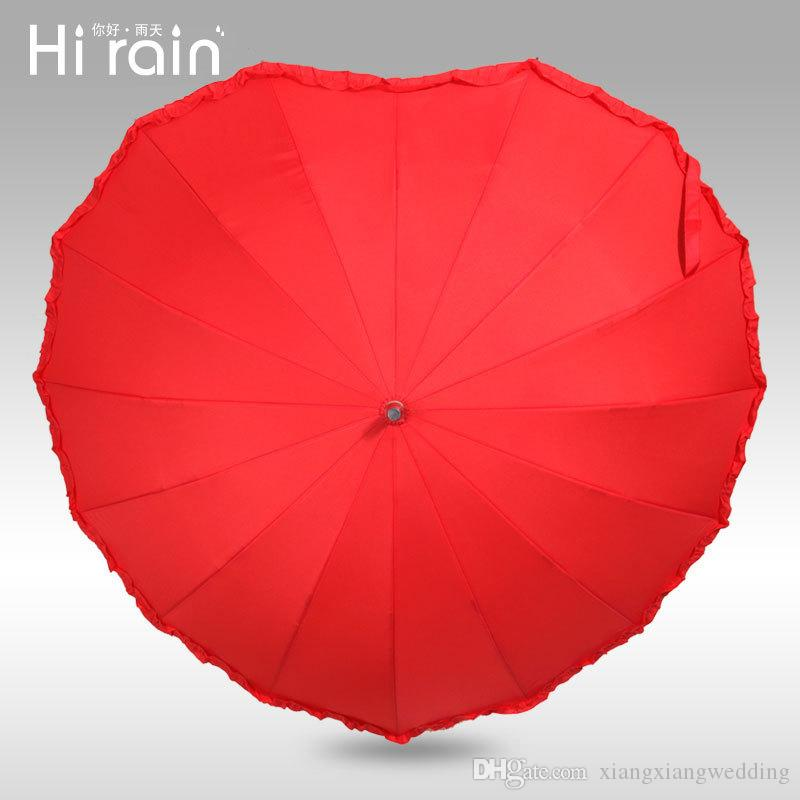 Parasol rojo de la boda Parasoles de la forma del corazón Parasol nupcial de la boda Paraguas largo del mango