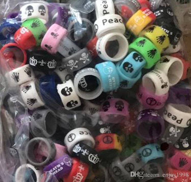 bandes colorées Vape de cool large anneau en silicone personnalisé avec texte ou site Web du fabricant Prix Wholesales bandes vapeur petit MOQ