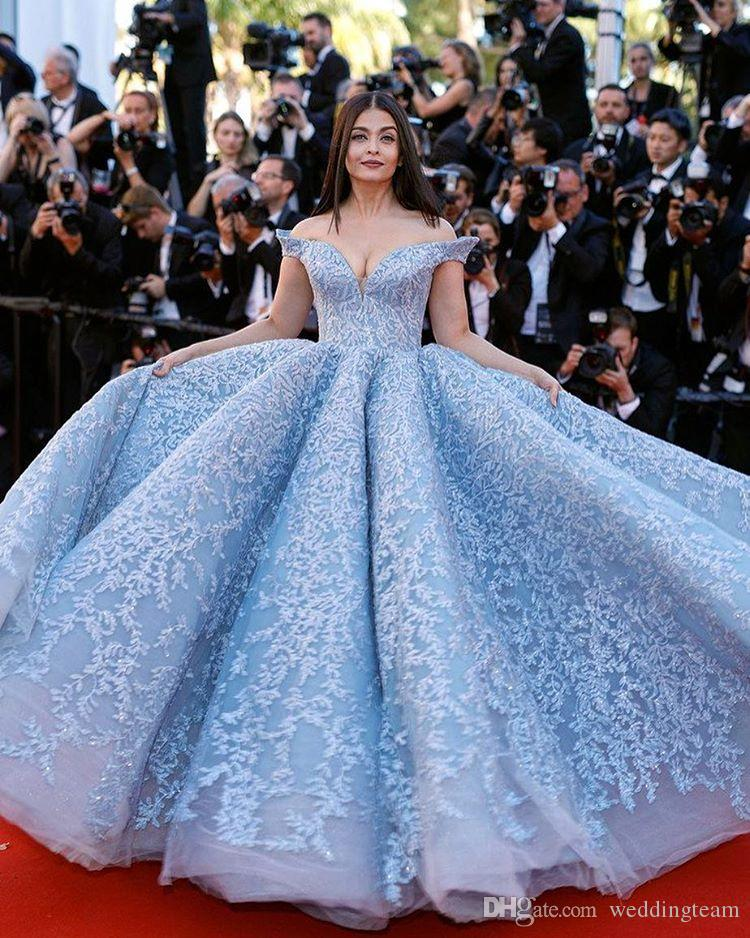 2017 Cannes Film Festival Ball Gown Celebrity Dresses Off Shoulder Appliques Prom Gowns Tulle Beaded Red Carpet Formal Evening Dress