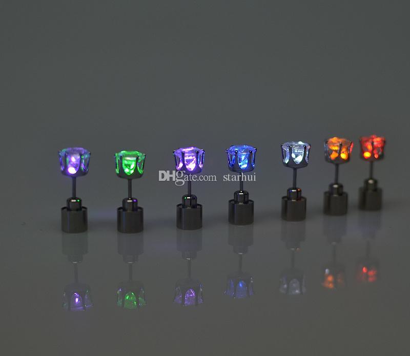 Orecchini a LED Stud ha condotto la luce Emitting Flash Orecchini Stud Birthday Party Nightclub Miglior regalo LED luminoso Natale orecchini WX-C46