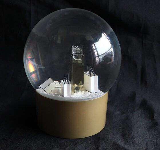 Preis der Glaskugel für Jean-Weiß, Gold, Schwarz, Rot, L