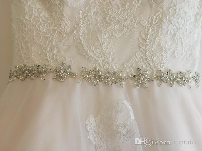 2019 Bohemian tea length Wedding Dresses beads Sheer short Sleeves V Neck A Line vintage Lace Country modest buttons Boho Bridal Gowns Cheap