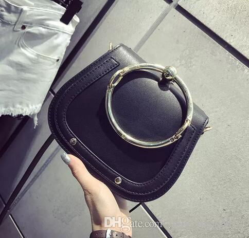 여름 새로운 정품 가죽 핸드백 가방 금속 반지 패키지 안장 금속 나일 핸들 가방 팔찌 가방 여성 어깨 메신저 크로스 바디 가방