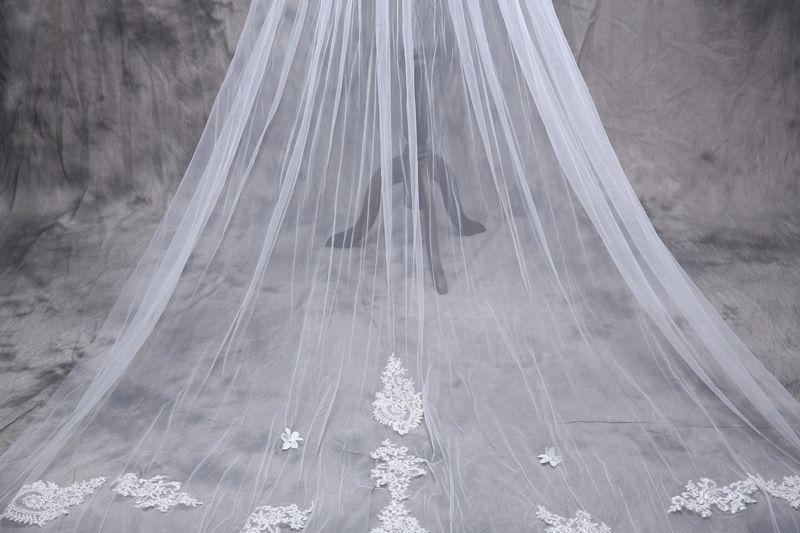 Veli da sposa da 5 m Veli da sposa lunghi Top in tulle morbido di alta qualità con applicazioni floreali perline brillanti Accessori da sposa 2017 Nuovo arrivo Top Qualit