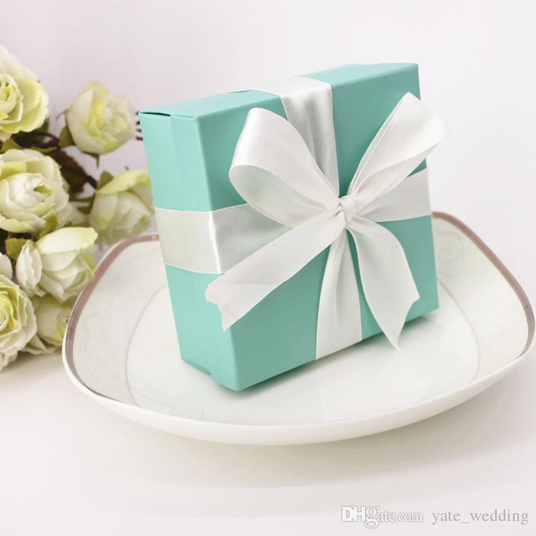 Scatole bomboniere graziose T blu con nastri Decorazione feste di compleanno Scatole caramelle di nozze Scatole di carta rosa quadrate In magazzino