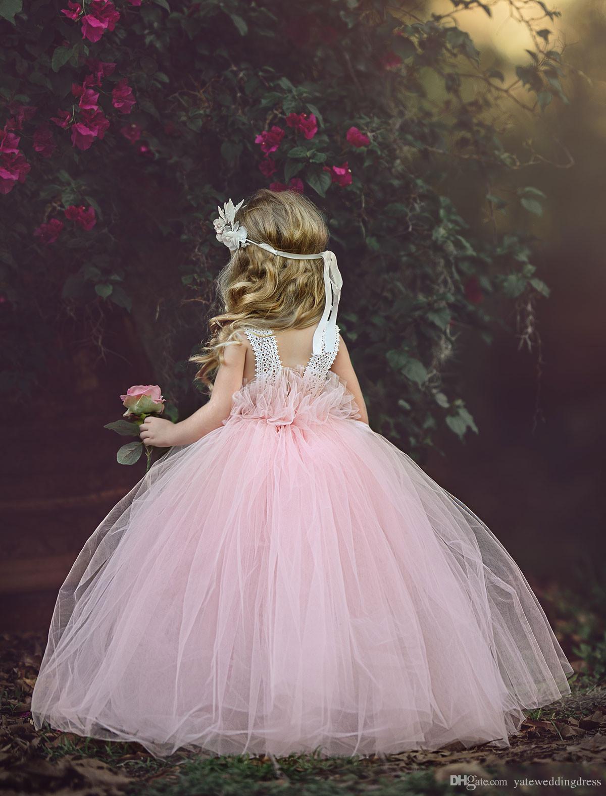 Light Pink Flower Filles Robes Décolleté Scoop Sans Manches Robe De Fête Retour Zipper Ball Robe Avec Des Fleurs À La Main Tiered Custom Made