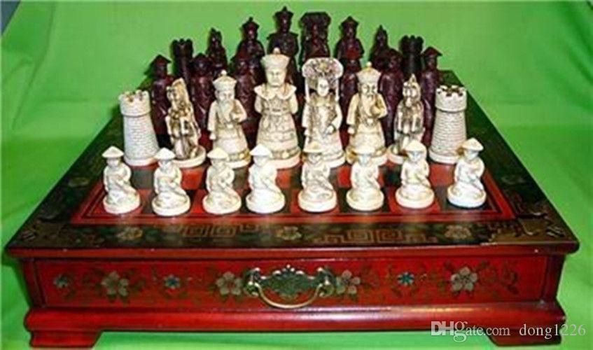 Collectibles Vintage 32 Chess Set with Wooden Coffee Table ...