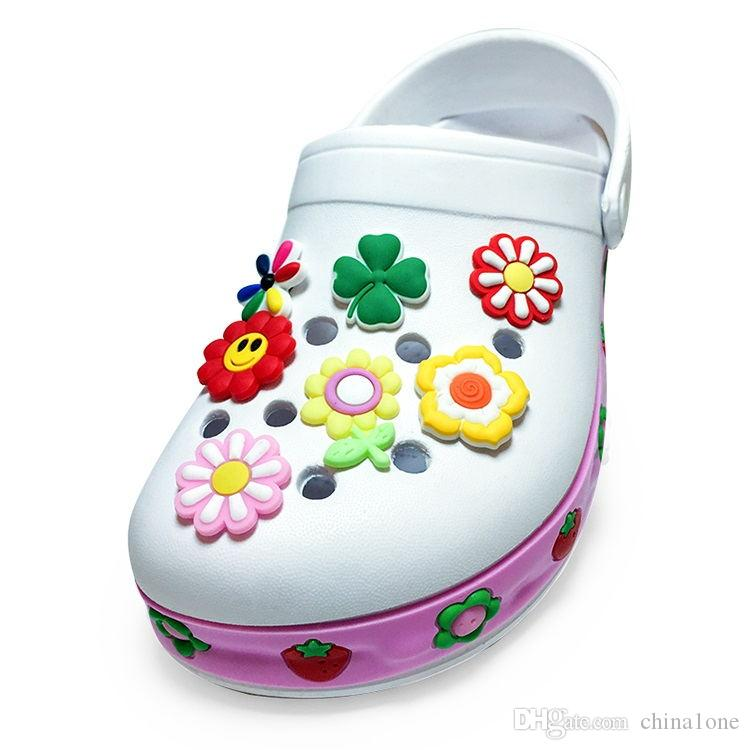 11-Flowers Kitty PVC Cartoon Shoe Charms Ornaments Buckles Fit for Shoes & Bracelets ,Charm Decoration,Shoe Accessories Party Gift