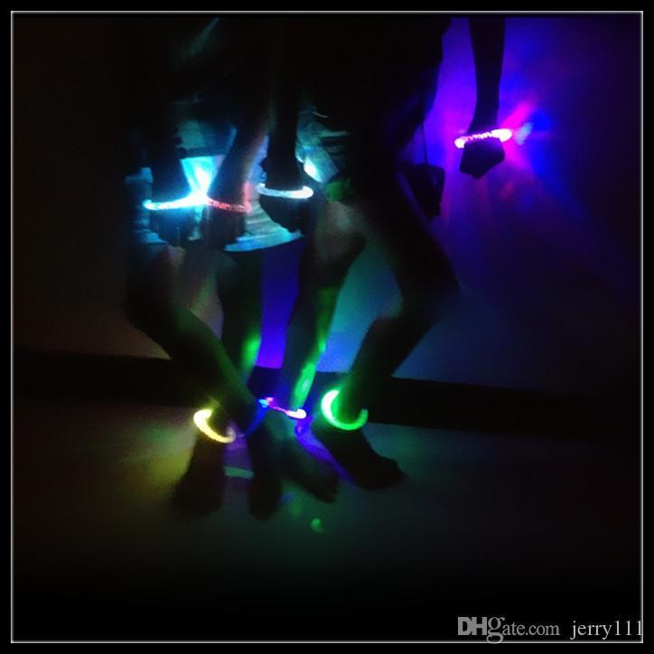 LED Flash Blink Glow Bracelets Couleur Changeante Lumière Acrylique Jouets Lampe Lumineux Main Anneau Parti Fluorescence Club Stage Bracelet Xmas Hot8