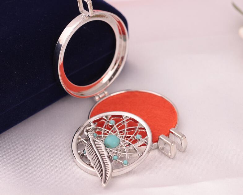 Tüy Aromaterapi Lockets Uçucu Yağ Difüzörü Kız Kolye Madalyon Parfüm Difüzör Lockets Kolye Düğün Kadınlar Kolye Takı