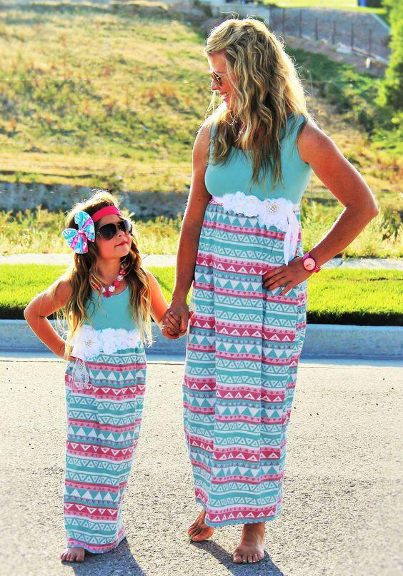 فساتين الصيف ابنة الأم عائلة أمي الملابس نظرة وابنته اللباس نسج ملابس الاطفال أمي الأم ولي الملابس