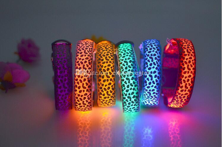 Leopard Pet Dog Collier LED Colliers Chat Clignotant Nylon Cou Light Up Collier De Formation pour chiens Pet Supplies plus la taille Colliers De Chien PD008