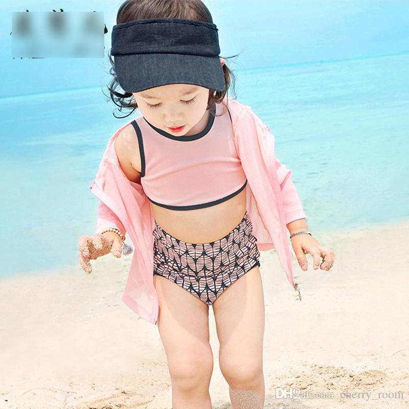 Moda Coreano Meninas Conjuntos de Natação Conjuntos de Natação Primavera Swimwear Rash Guards Tops e Breves Shorts com Touca de Natação Set Sun Bathing A6947