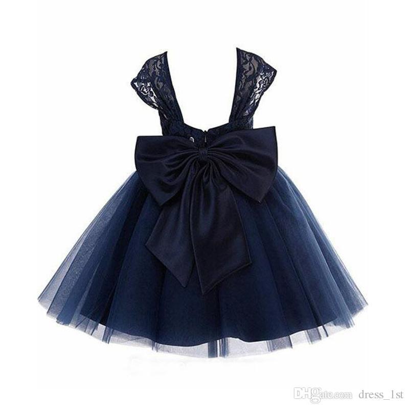 2017 Vintage Marineblau Spitze Und Tüll Tee Länge Blumenmädchen Kleider Für Hochzeit Günstige Großen Bogen Sash Geburtstag Party Kleid Benutzerdefinierte EN9088