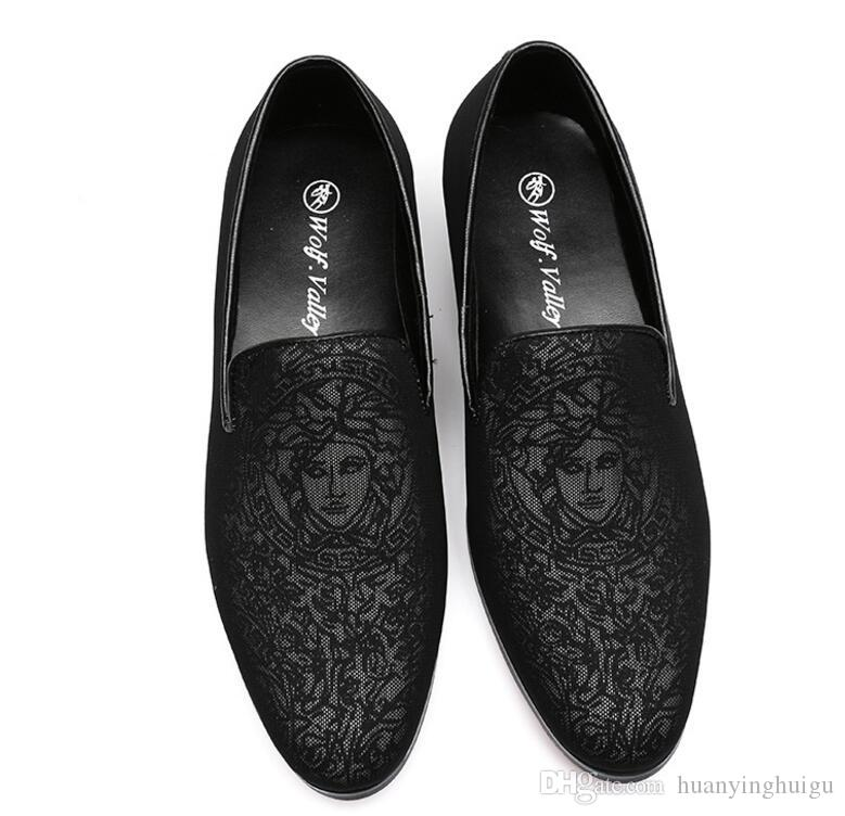 Black Velvet Men Loafers With Embroidery Slipper Shoes Party Wedding Mens Dress Shoes Spring Autumn fashion Flats Size 38-46 AX517