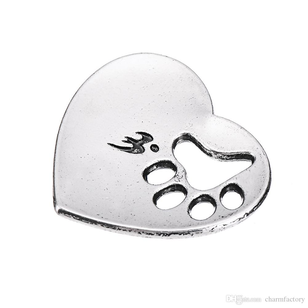 Dog Paw Print Hearts Siempre en mi corazón Amor Charm Aleación de zinc Plateado Colgante plateado Para collares o pulseras