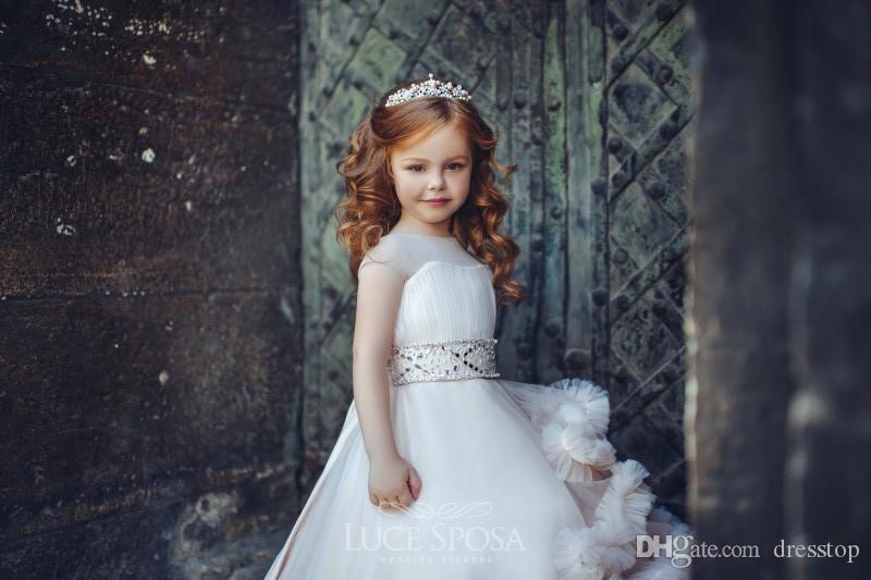 Nuovo arrivo Occasione increspato Flower Girl Dresses speciali matrimoni pieghe Bambini spettacolo degli abiti di Tulle dell'abito di sfera vestito della prima comunione