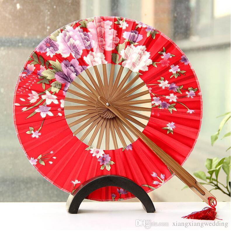 O Moinho de vento Fã de Mão de Casamento Ventilador Circular Dobrável Chinês Pano de Seda Chinesa Variedade de Projetos e Padrões
