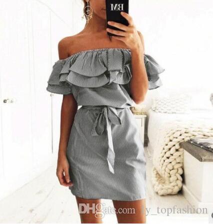 2017 الصيف أزياء المرأة الجديدة مخطط فساتين مثير كشكش فستان عارضة نمط مريح جميلة الكنسيون مع حزام