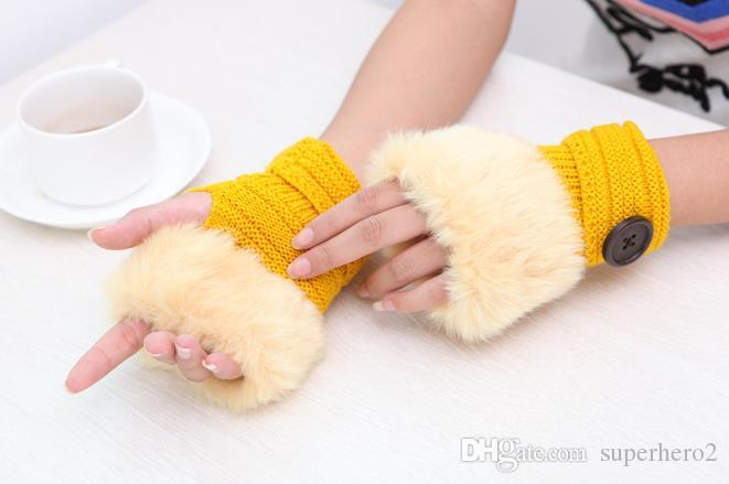 guanti Button ragazza delle donne lavorato a maglia Faux della pelliccia del coniglio senza dita Winter Warmer Mittens all'aperto regalo variopinto di modo Accessori di Natale