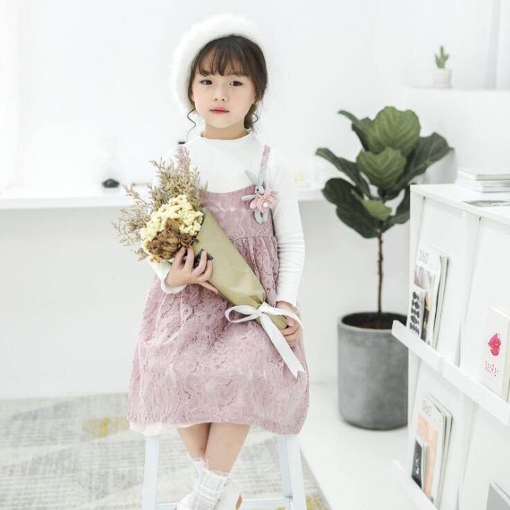 2017子供のスーツの秋の新しい女の子ソリッドカラー長袖Tシャツ+レーススリングドレス2個セット赤ちゃん子供服2色
