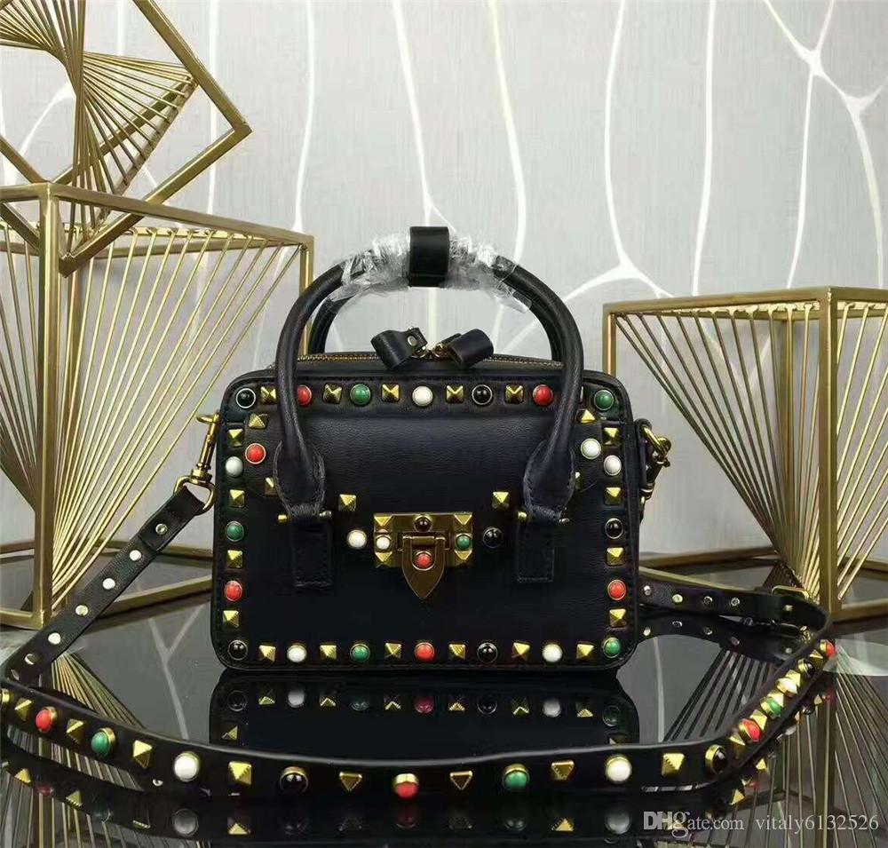 En gros marque bao à la mode riveté femmes sac à main belle eau percer serrure en cuir sac à bandoulière tendance ensemble sac à main en cuir de haute qualité