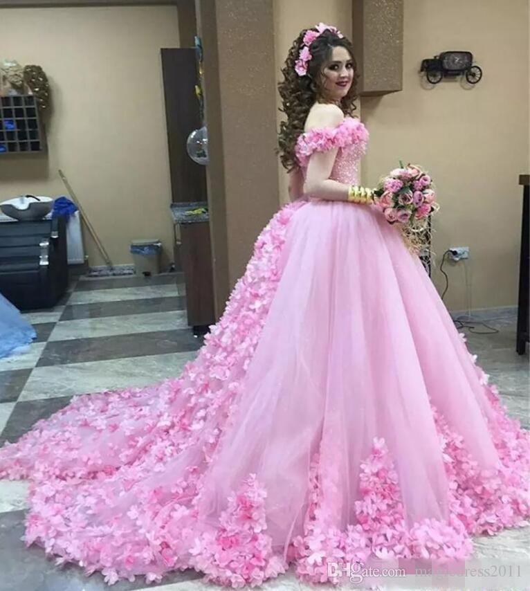 Elegant Ball Gown Quinceanera Dresses With Handmade Flowers Puffy Tulle Celebrity Prom Dress Long Lace Up Back Sequins Beach Bridal Gowns
