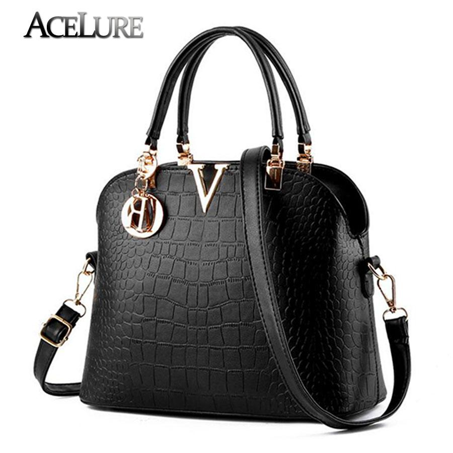Wholesale Women Handbags Famous Brand Designer Luxury Leather Handbags Women  Messenger Bag Ladies Crocodile Pattern Shoulder Bag Bolsa Handbags  Wholesale ... 9cb16b99f0622