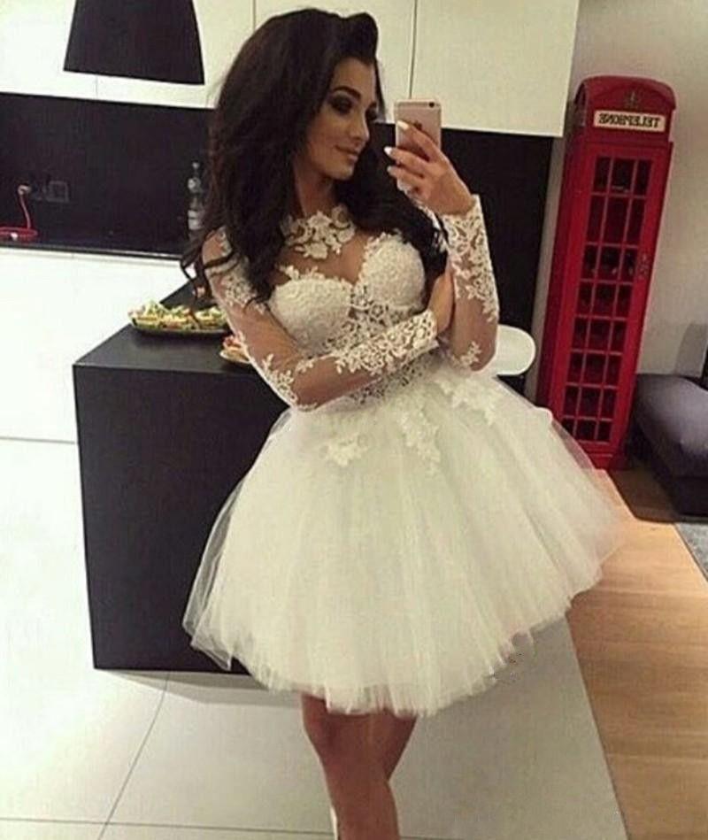 2020 섹시한 짧은 미니 화이트 홈 커밍 드레스 환상 긴 소매 레이스 아플리케 얇은 명주 그물 푹신한 사용자 정의 파티 졸업 정장 칵테일 드레스