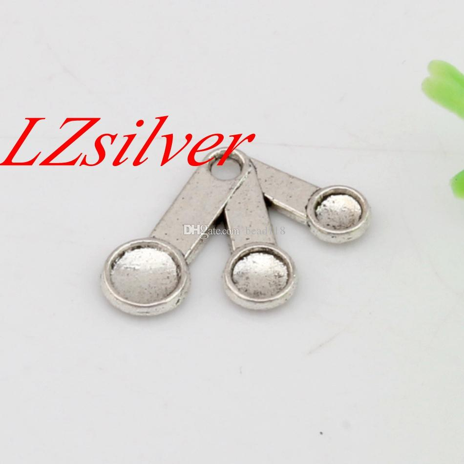 Ventas calientes ! plata antigua de aleación de zinc de una cara de cucharas que cocinan la cocina del cocinero del encanto de la joyería DIY 21x14.5mm A-453 Medición
