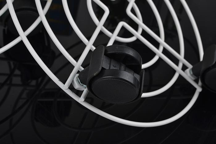 2 UNIDS Fuerte Metal y Plástico Extraíble Soporte Maceta Cuadrada Con Rueda Omnidireccional Para el Hogar Sala de estar Balcón Herramientas Decorativas