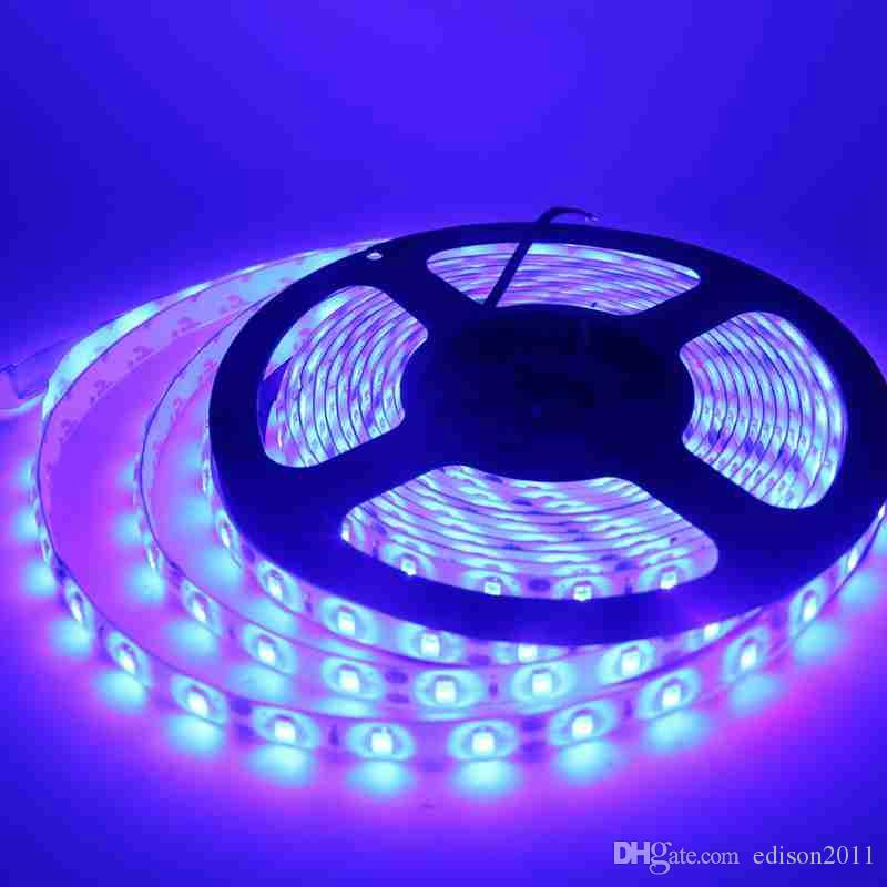 白いLEDストリップ5630防水5メートル60LED / MストリップライトDC 12V LEDストリップショーケースバーLEDランプ